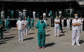 Huelga de médicos en medio de segunda oleada de COVID-19