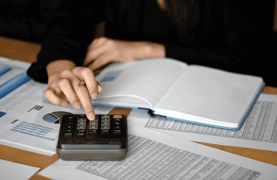 ¿Cómo puedo calcular la prima de mi seguro de salud?